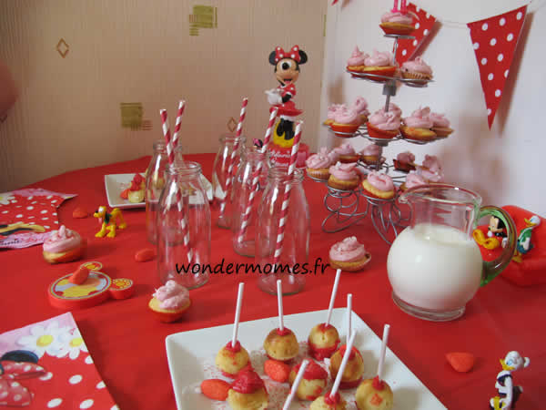 sweet table fille rouge
