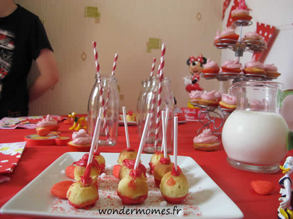 sweet table popcakes