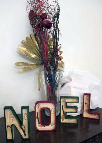 décoration de noel lettres en bois fagot lumineux